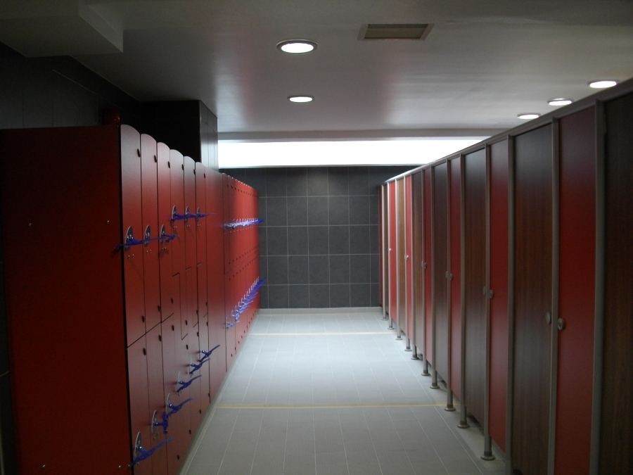 Parr Swimming Pool & Fitness Centre Changing Room
